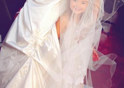 enfant-et-le-voile-de-mariage